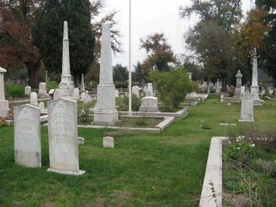 Old Masonic Cemetery image. Click for full size.