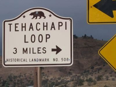 Tehachapi Loop State Landmark Directional Sign image. Click for full size.