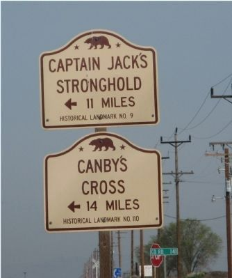 Captain Jack's Stronghold State Historical Landmark Directional Sign image. Click for full size.