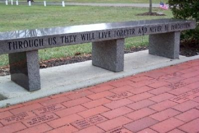Gahanna Veterans Memorial Bench image. Click for full size.