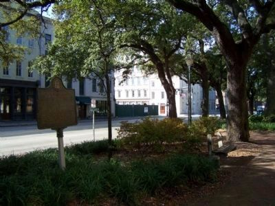 Landing of Oglethorpe and the Colonists Marker, along W.Bay St. image. Click for full size.