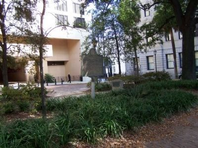 Landing of Oglethorpe and the Colonists Marker in park near Hyatt Hotel image. Click for full size.