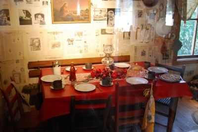 Dolly's Childhood Home - Dining Room image. Click for full size.