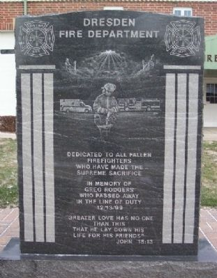Dresden Firefighters Memorial image. Click for full size.