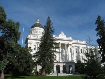 California's Historic Capitol -East Entrance image. Click for full size.