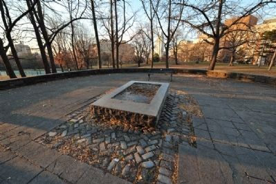 Fort Greene Park Missing Cannon image. Click for full size.