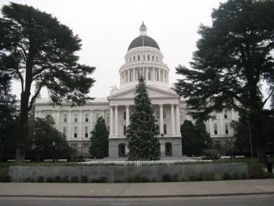 California State Capital Building image. Click for full size.