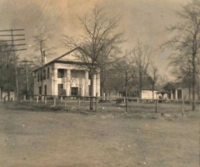 Farmers Hall and Village Green image. Click for full size.