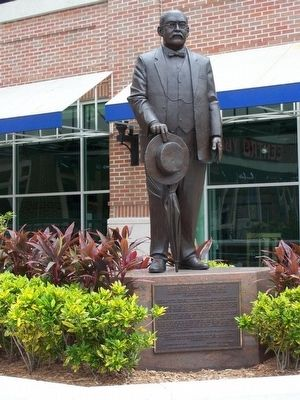 Vincente Martinez Ybor Monument at Centro Ybor image. Click for full size.