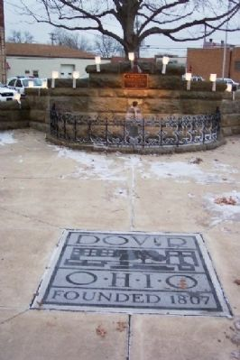 Christian Deardorff Marker and Fountain image. Click for full size.