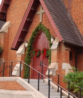 Christ Church (Episcopal) - South Entrance image. Click for full size.