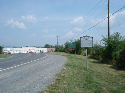 Wider view of the Middletown Marker image. Click for full size.