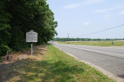 Marker along Hanover Courthouse Road (US 301) image. Click for full size.