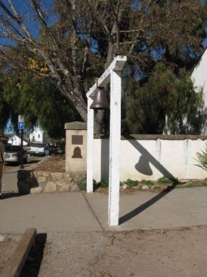 El Camino Real Bell and Markers image. Click for full size.