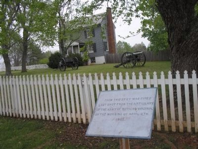 Marker at Appomattox Court House image. Click for full size.