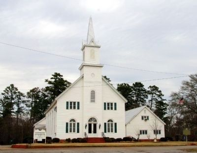 Crawfordville Baptist Church (Marker is to the right in photo) image. Click for full size.