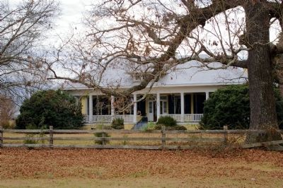 Old Town Plantation House image. Click for full size.