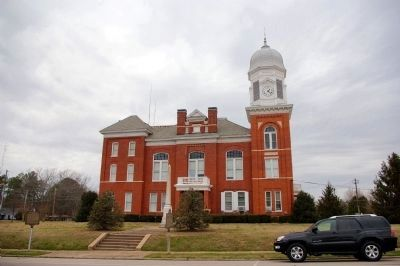 Taliaferro County Courthouse. image. Click for full size.