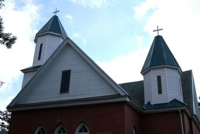 Simmon Ridge Missionary Baptist Church -<br>Two Spires and West Gable image. Click for full size.