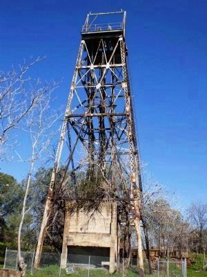 Central Eureka Mine - Headframe image. Click for full size.
