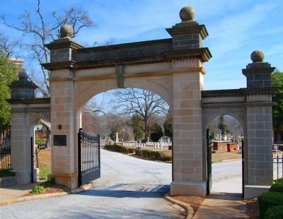 Springwood Cemetery Entrance -<br>Mrs. James Williams Marker on Left image. Click for full size.