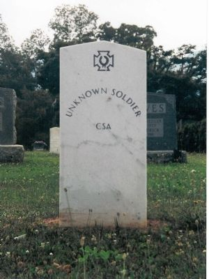 Headstone for the unknown Confederate soldier mentioned in the marker image. Click for full size.