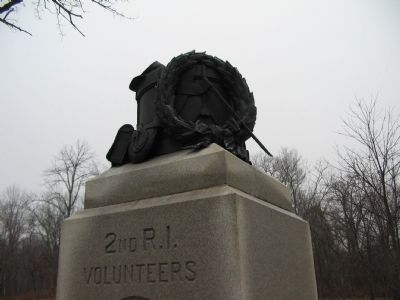 Drum and Wreath on Top of Monument image. Click for full size.
