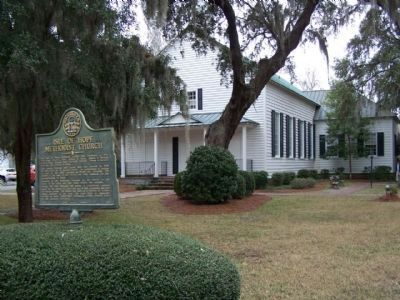 Isle of Hope Methodist Church and Marker image. Click for full size.