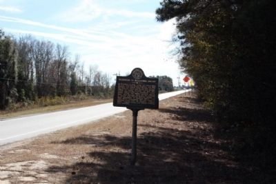 Skirmish in Bulltown Swamp Marker, looking south along US 17 image. Click for full size.