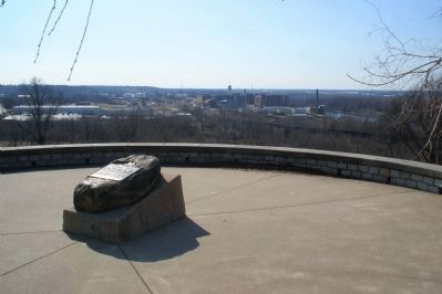 Powhatan Stone overlook. image. Click for full size.