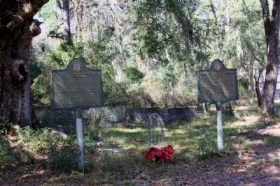 Colonel John McIntosh Marker ( l )shares location with Captain William McIntosh (r) image. Click for full size.
