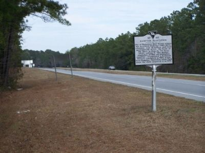Hampton Plantation Marker looking north along US 17 image. Click for full size.