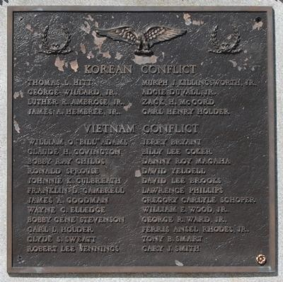 World War Memorial Marker -<br>South Side image. Click for full size.