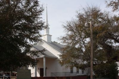 Middle Ground Baptist Church and Marker image. Click for full size.