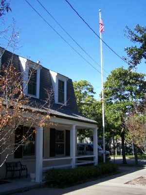 The International Seamen's House and John B. Hohenstein, Sr. Marker with flagpole image. Click for full size.