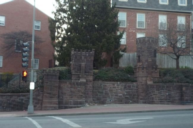 Brownstone walls of Beekman Place at 16th St. and Florida Ave. image. Click for full size.