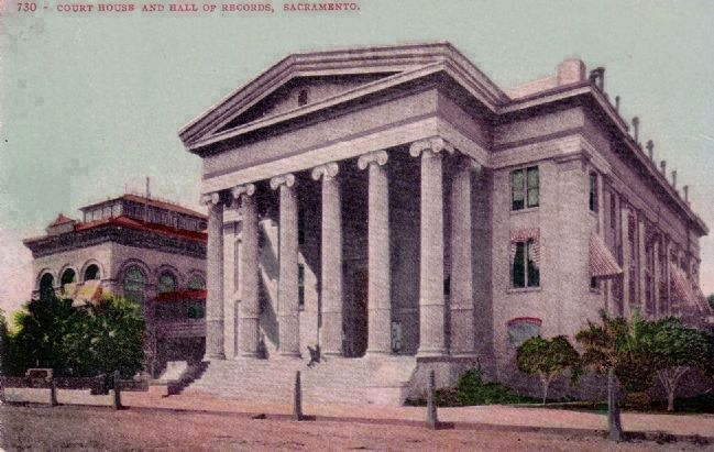 Postcard Image of Court House and Hall of Records image. Click for full size.