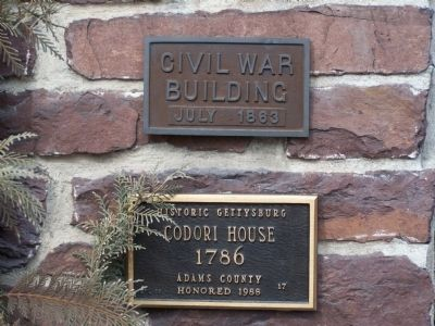 Plaques on The Brufferton Inn building image. Click for full size.