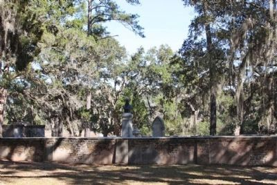 Thomas Heyward Jr. Marker at family Cemetery image. Click for full size.