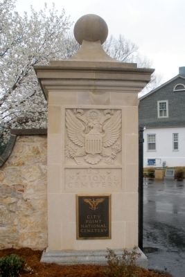 City Point National Cemetery gatepost image. Click for full size.