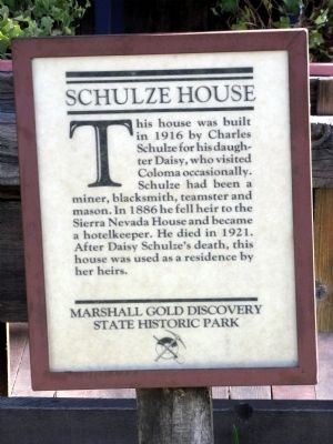 Schulze House Marker image. Click for full size.