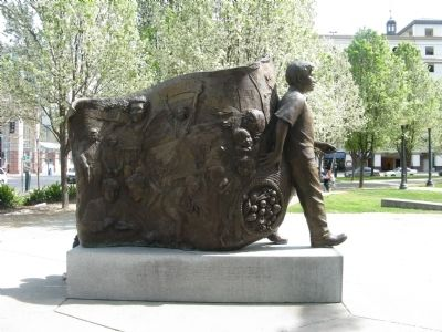Cesar Chavez Monument image. Click for full size.