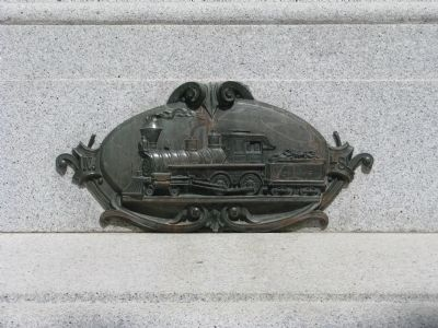 Close-Up of Artwork on Monument image. Click for full size.