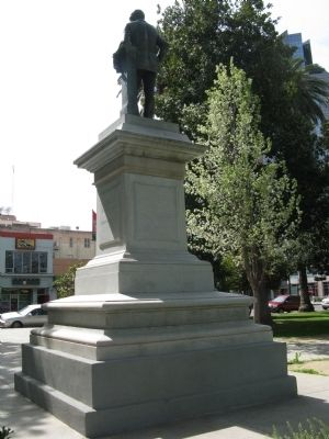 Back View of the Monument image. Click for full size.