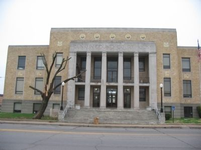 Dunklin County Court House image. Click for full size.