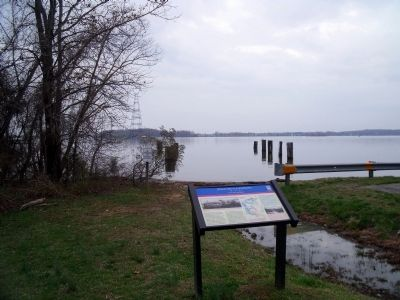 Willcox's Landing Marker on the James River. image. Click for full size.