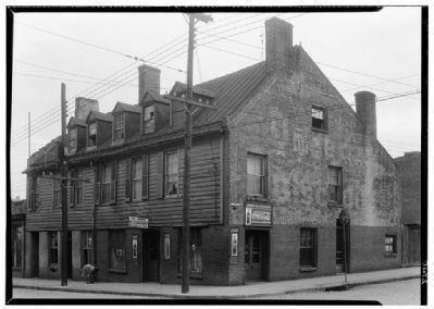 Golden Ball Tavern (front). image. Click for full size.