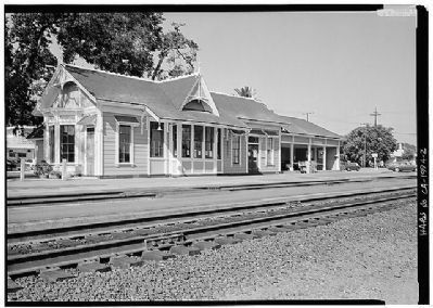 Menlo Park Railroad Station - Southeast and Northeast Sides image. Click for more information.