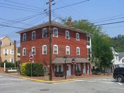 Old Hammill Hotel and Marker image. Click for full size.