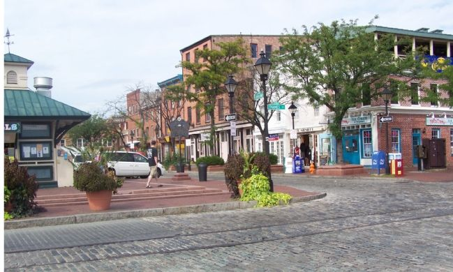 Businesses on Broadway in Fells Point image. Click for full size.